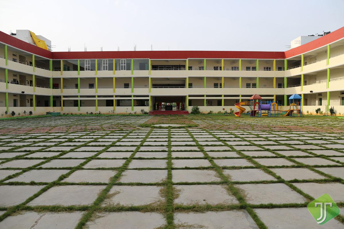Alwin School, Padapai